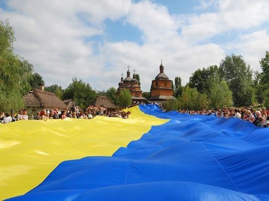 """Омбудсмен увидел угрозу нацбезопасности Украины в """"убийстве кириллицы"""""""