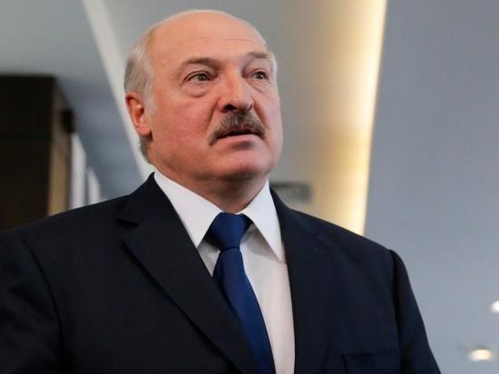 Лукашенко заявил, что доллары угрожают нацбезопасности