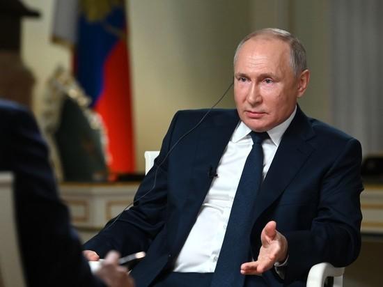 Проголосовавший Путин обратился к россиянам