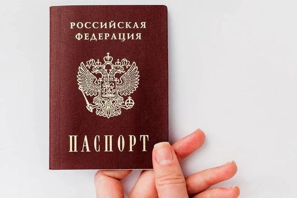 Костромичка случайно положила в урну для голосования… паспорт