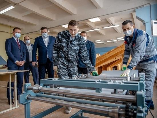 В Курскую область приехал с рабочим визитом министр труда и соцзащиты РФ Антон Котяков