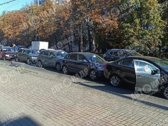 В Сеймском округе Курска столкнулись пять автомобилей