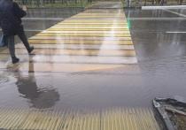 «Зебра» продолжает тонуть на отремонтированной дороге Ноябрьска