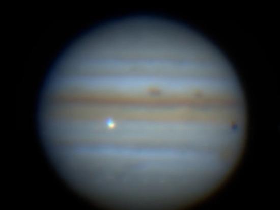 Астрономы зафиксировали столкновение Юпитера с неизвестным объектом