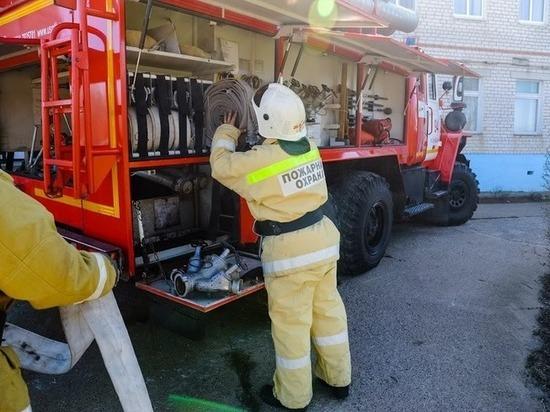 В двухэтажке Волгограда из-за замыкания в электросчетчике случился пожар