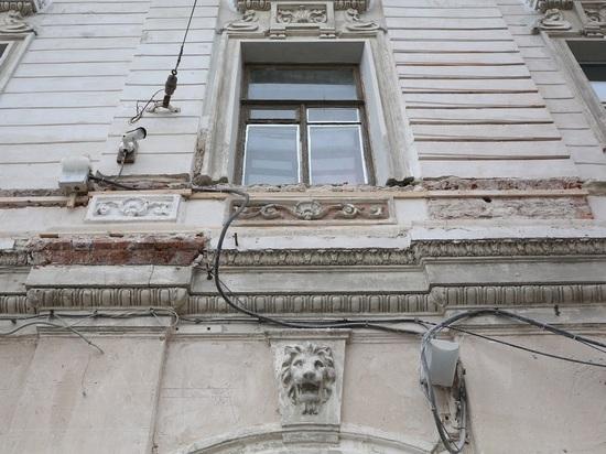 Фасады могут избавить от лепнины во имя безопасности