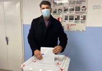 Владимир Пушкарев проголосовал за депутатов в Ноябрьске