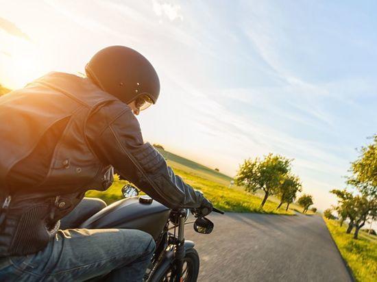 Новгородские байкеры закрывают сезон мотопробегом
