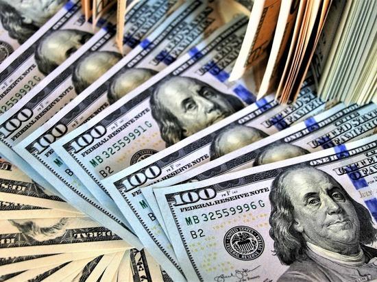 Если потолок государственного долга по платежным обязательствам не будет повышен, то все может обернуться дефолтом, это «немыслимое», заявила министр финансов США Джанет Йеллен, сообщает Reuters