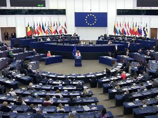 Немецкий политолог Александр Рар заявил в Telegram назвал проигрышем для антироссийски настроенных политиков окончание строительства «Северного потока-2» и последовавшую затем резолюцию Европарламента, в которой одним из пунктов значилась необходимость обеспечить ЕС независимость от российского газа