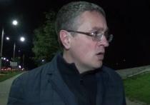 Денисов прошел по ночным улицам Калуги и проверил фонари
