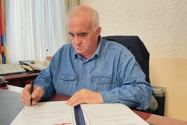 Губернатор Сергей Ситников подписал распоряжение о поощрении участников тушения лесных пожаров