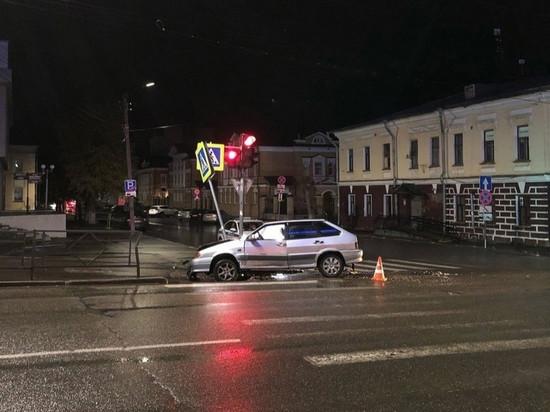 В Кирове ищут сбежавшего с места ДТП водителя ВАЗа
