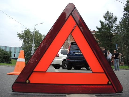 Таксист насмерть сбил пешехода на Рублевском шоссе в Подмосковье