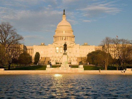 Полиция арестовала четырех человек у Конгресса США