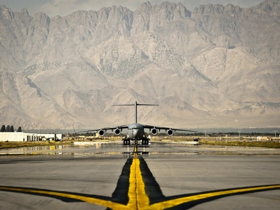 Госдеп сообщил об эвакуации 28 американцев из Кабула