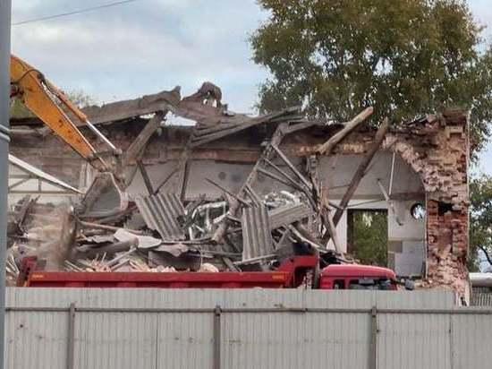 В Ярославле в День города снесли здание 18 века
