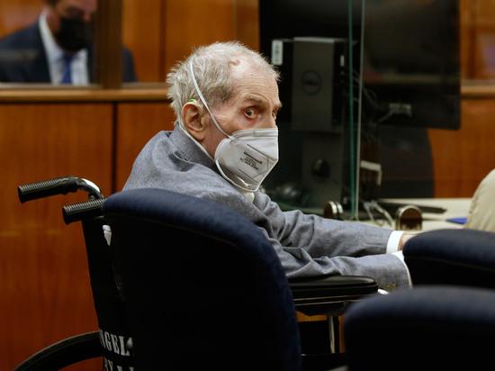 Присяжные в Лос-Анджелесе признали Роберта Дерста, печально известного героя сериала HBO «Джинкс», виновным в убийстве первой степени за убийство его подруги Сьюзан Берман более 20 лет назад