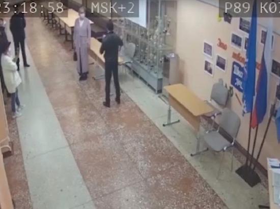 Пользовательница сети Ирина Тимохина в паблике «Происшествия Ноябрьск» выложила видео с онлайн-конференции движения «Голос» (общественное наблюдение, выполняющее функции иностранного агента — прим