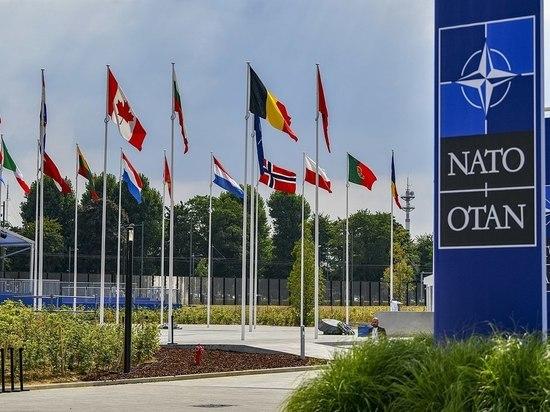 Власти Франции заявили, что соглашение между США, Великобританией и Австралией об оборонном сотрудничестве (AUKUS) и передача Вашингтоном Канберре технологии по строительству атомных подводных лодок будет иметь негативные последствия для НАТО