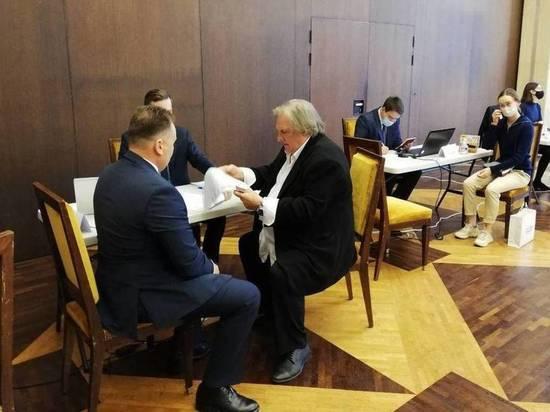Жерар Депардье проголосовал на выборах в Госдуму по Томскому избирательному округу №181