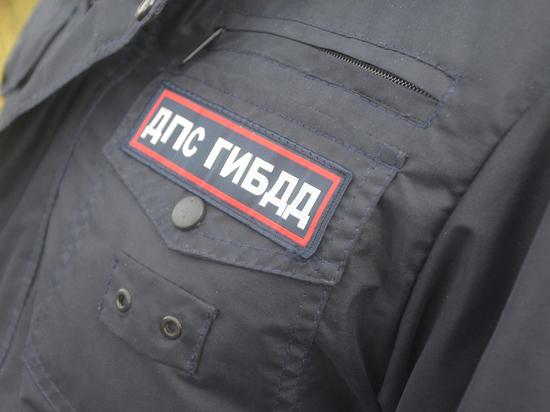 Полицейские Магадана поймали водителя внедорожника с поддельными правами