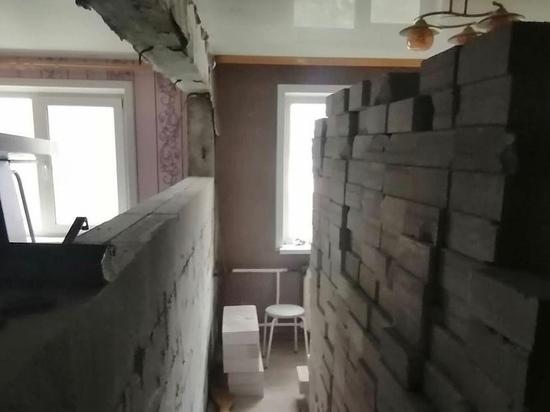Рухнувшие от взрыва самогонного аппарата стены дома восстановили в Чите