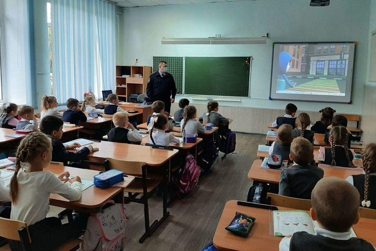 Новый учебный год костромские школьники начали с повторения правил дорожной безопасности