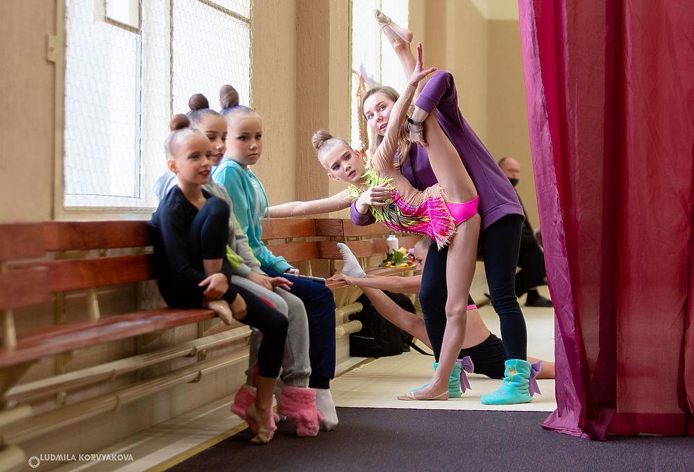 Изящный фоторепортаж: соревнования по художественной гимнастике покорили петрозаводчан