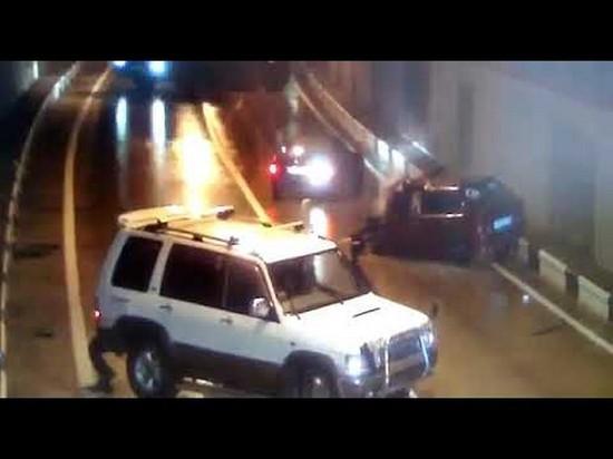 На видео попало ДТП в тоннеле Сочи с участием множества автомобилей