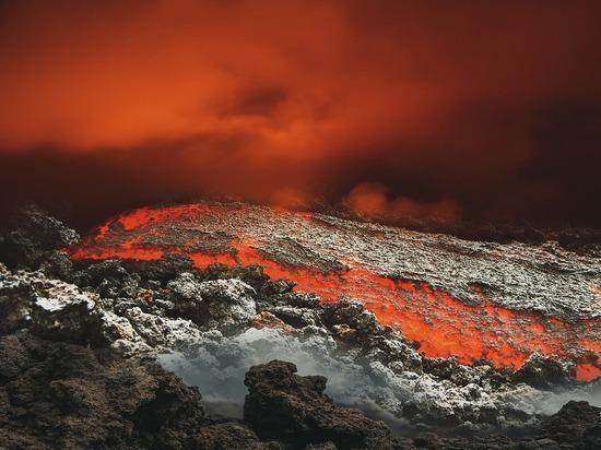 В последний раз подобную активность огнедышащая гора проявляла полвека назад