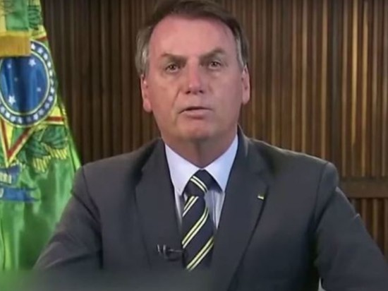 Президента Бразилии не пустили в ресторан Нью-Йорка без прививки от коронавируса