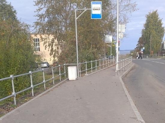 Жители столицы Карелии пожаловались на остановку без крыши