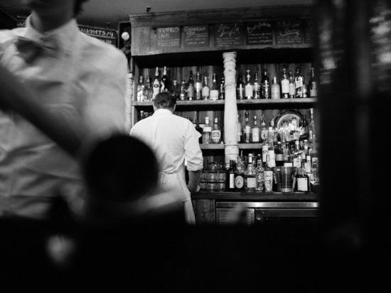 Житель Карелии хорошо отдохнул в баре и лишился телефона