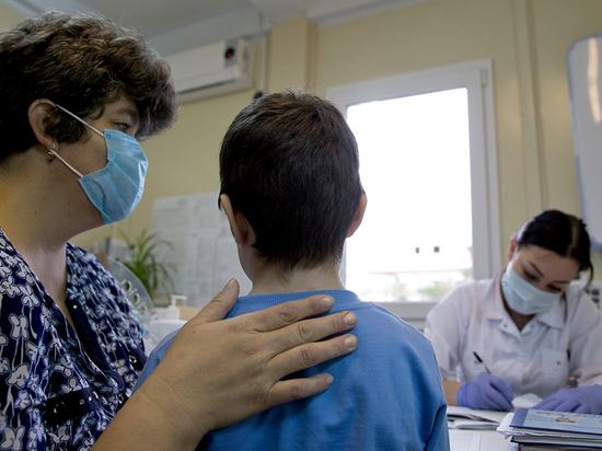 Количество заболевших новой коронавирусной инфекцией в Хакасии снова увеличивается, в том числе среди детей, – сообщает информотдел мэрии Абакана