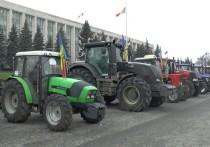Власти Молдовы нанесли новый удар по фермерам и транспортникам