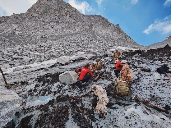 Ледник в Италии из-за таяния начал обнажать сотни неразорвавшихся бомб