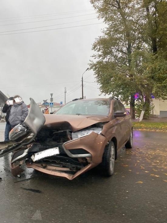 Два автомобиля не поделили перекрёсток в Тверской области