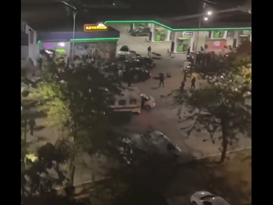 В Евпатории около 30 человек устроили разборки со стрельбой возле АЗС