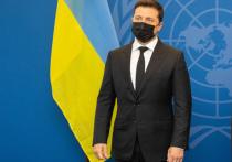 Произошедшее сегодня покушение на советника президента Украины Владимира Зеленского может сыграть на руку главе государстве