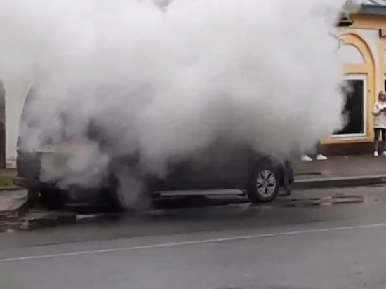 В Касимове загорелся минивэн Volkswagen
