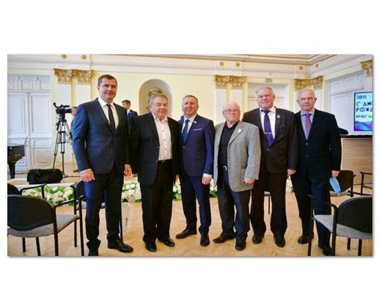 Народный художник Валерий Теплов награжден Знаком отличия «За заслуги перед Ярославлем»
