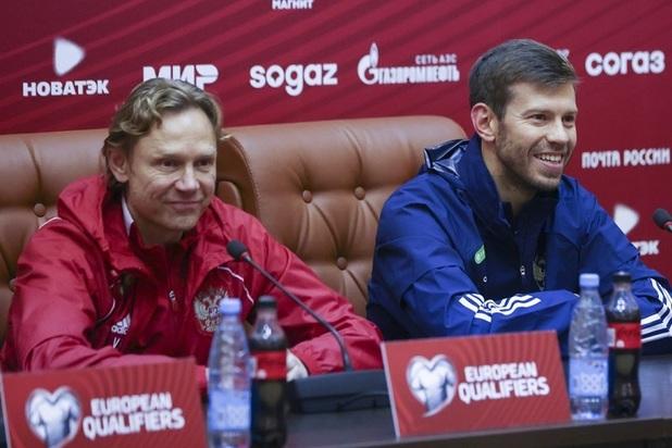 «Ты не подходишь»: Дзюба ушел из сборной, потому что не нужен Карпину