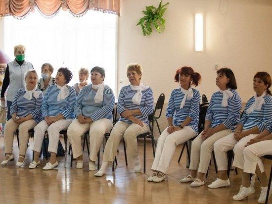 Астраханские пенсионеры отметили День моря
