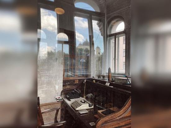 Бродскому расширили жилплощадь: Смольный расщедрился на каретную для музея