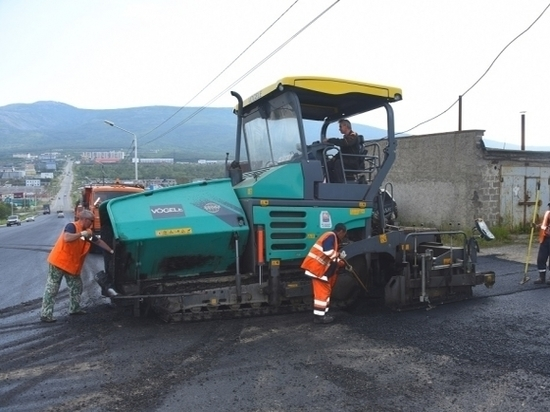 Магадан закончил запланированный на год ремонт асфальта