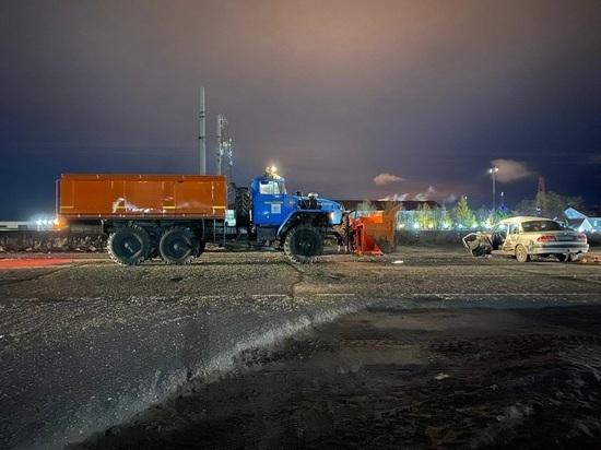 Водитель легковушки попал в больницу после ДТП с грузовиком в Новом Уренгое