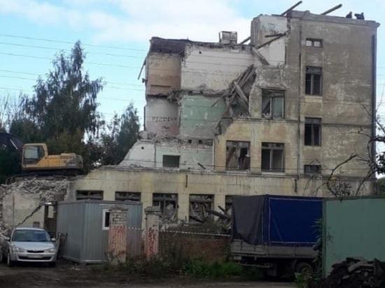 В Ярославле сносят школу, замены которой нет