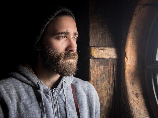 Исследователи доказали, что борода мужчины грязнее шерсти собаки