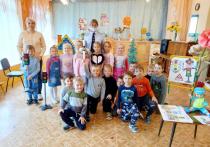 О пользе светоотражателей рассказали воспитанникам великолукского детского сада